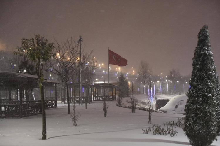Esenyurt'ta Kış Resimleri