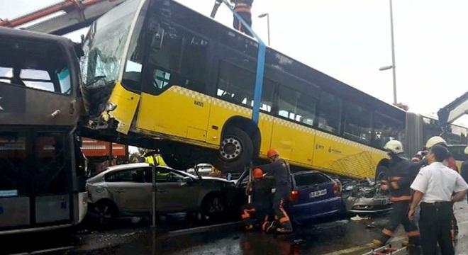 Metrobüs şoförü ifade verdi