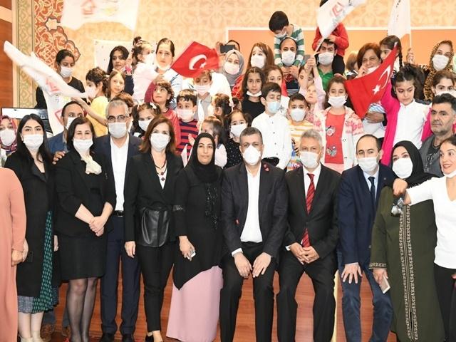 Esenyurt Belediyesi lösemili çocukları unutmadı