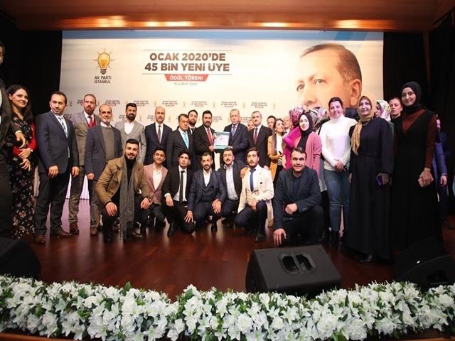 Esenyurt Ak Parti'ye En Çok Üye Ödülü