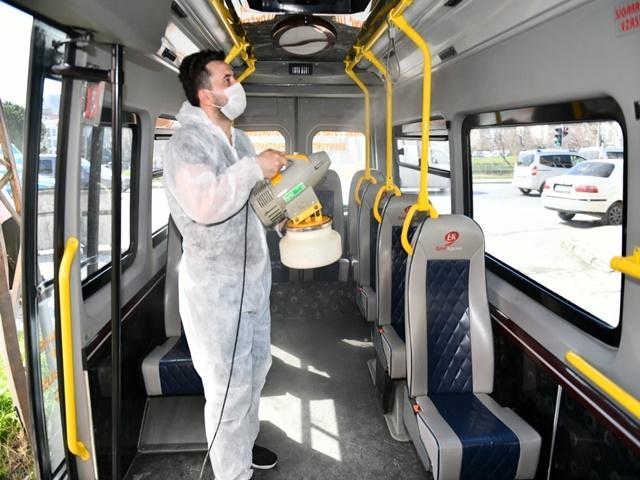 Esenyurt'ta toplu taşıma araçları virüslere karşı ilaçlanıyor