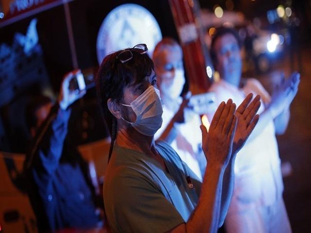 Sağlık çalışanlarına artık ücresiz
