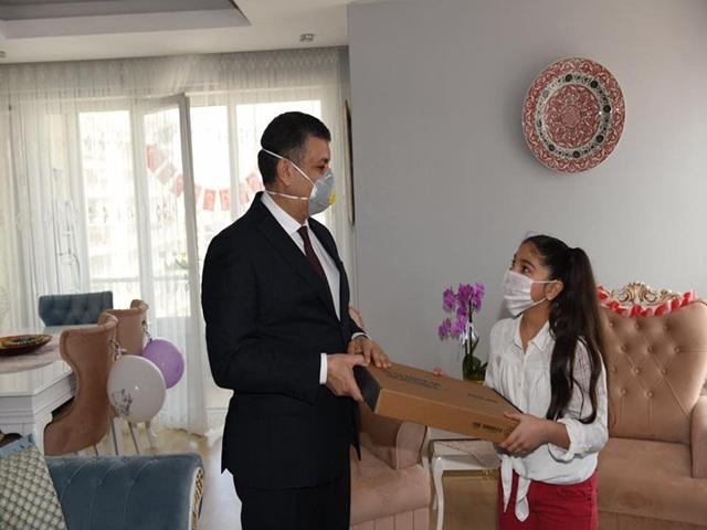 O öğrencilerin Ödülleri Başkan Bozkurt'tan