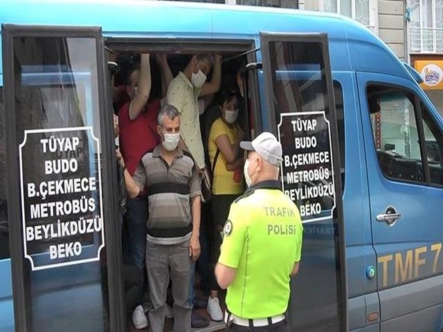 Esenyurt'ta Minibüsten çıkan yolcu sayısı polisi bile şaşırttı!