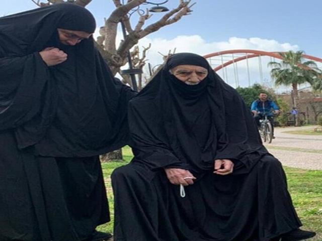 Aydemir Akbaş rol gereği çarşaf giydi