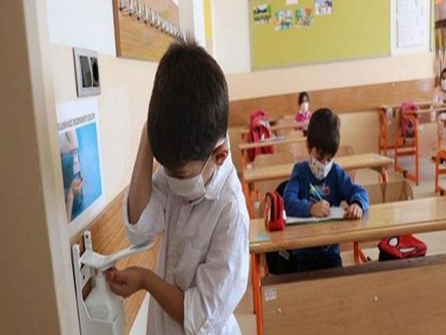 Tüm Türkiye'de yarın kademeli yüz yüze eğitim başlıyor