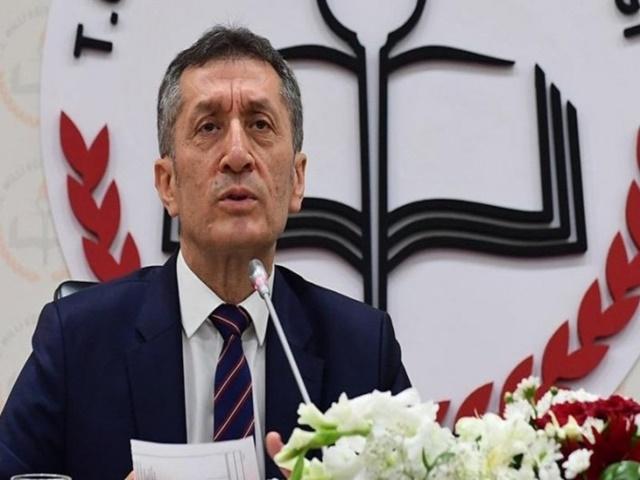 Milli Eğitim Bakanı Selçuk: Uzaktan eğitim kalıcı olacak