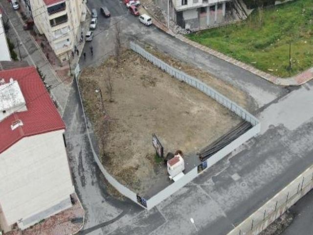 Esenyurt'ta mahalleli şaşkın: 30 yıldır kullanılan yolda inşaat başladı!