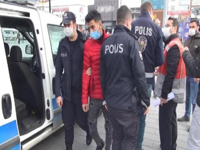 Esenyurt'ta denetim! 50 kişi sınır dışı edildi