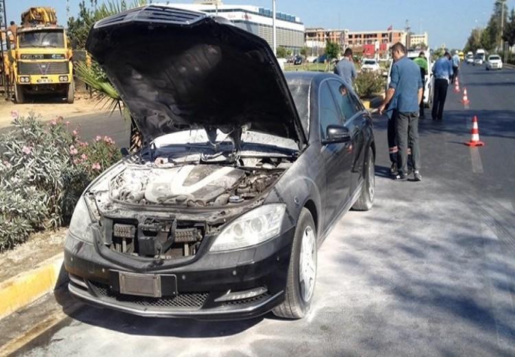 Dışişleri eski Bakanı Mevlüt Çavuşoğlu'nun makam aracı alev aldı