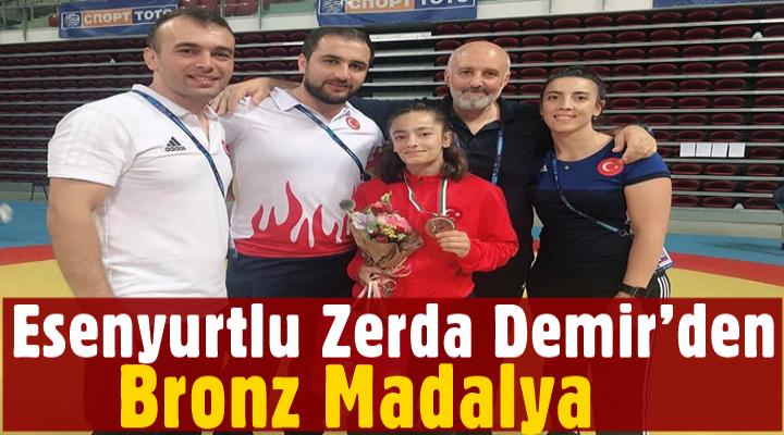 Esenyurtlu Zerda Demir'den bronz madalya