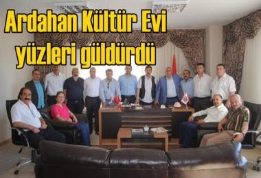 Ardahan Kültür Evi yüzleri güldürdü