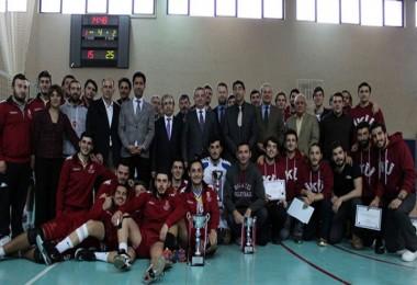 Esenyurt Üniversitesi Voleybol Takımı 1. Lig'de