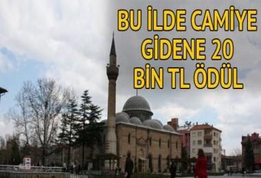 Camiye gidene 20 bin TL
