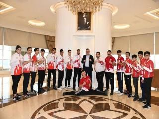 Şampiyonlardan Başkan Bozkurt'ta ziyaret