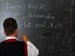 Esenyurt'ta İSMEK bünyesinde Kürtçe kurs başvuruları başladı