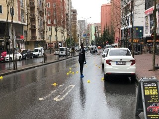 Esenyurt'ta sokak ortasında silahlı çatışma