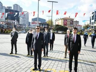 23 Nisan Esenyurt Cumhuriyet Meydanında Kutlandı