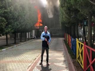 Belediyeye kızdı buz pistini ateşe verdi