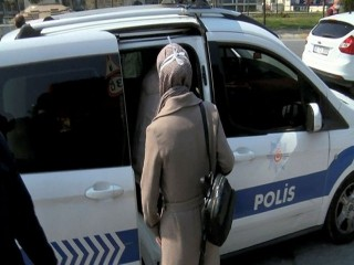 Esenyurt Polisinden Hemşirelere Yardım
