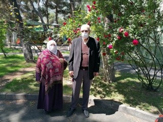 Esenyurt'ta 65 yaş üstü vatandaşlar güzel havanın tadını çıkardılar