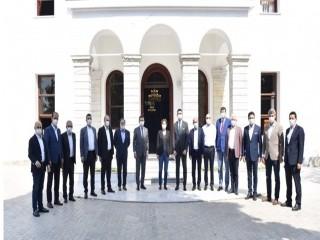 12 CHP'li Başkan İmamoğlu ile Buluştu