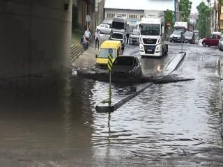 Esenyurt'ta Yağmur ve Dolu Kabusu