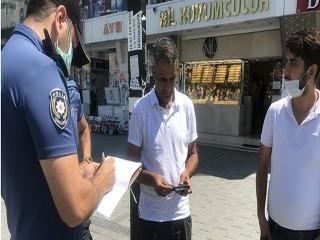 Esenyurt'ta Maskesiz dışarı çıkan adam ne yaptıysa polisi ikna edemedi