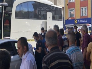 Esenyurt'ta park halindeki yolcu otobüsünde şoför ölü bulundu