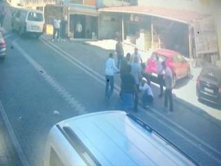 Esenyurt'ta adres soran şahıslar sokak ortasında linç edildi