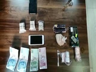 Esenyurt'ta uyuşturucu tacirlerine operasyonu