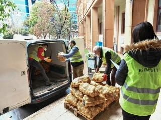 Esenyurt Belediyesi ücretsiz patates dağıtımına başladı