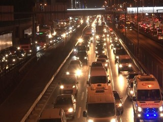 Yasaklandı! İstanbul trafiğini rahatlatacak karar