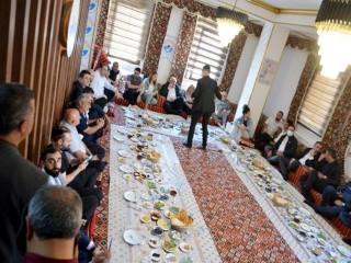 Esenyurt'ta Vanlılar, 'Dünya Kahvaltı Günü'nde yer sofrasında buluştu