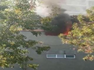 Esenyurt'ta bir sitenin otoparkında korkutan yangın