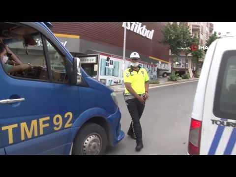 Esenyurt'ta Sosyal Mesafesiz Minibüsten 32 Kişi Çıktı