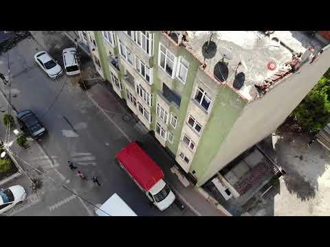 Esenyurt'ta Hasar Gören Binalarda Yaşayan Vatandaşlar Taşınıyor